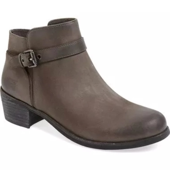 7bc0cdec5e9 New UGG Bellamy Buckle Leather Charcoal Bootie